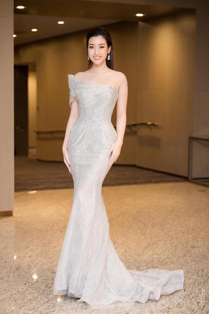 Đỗ Mỹ Linh xinh đẹp trao vương miện trong chung kết Hoa hậu doanh nhân Việt Hàn 2019