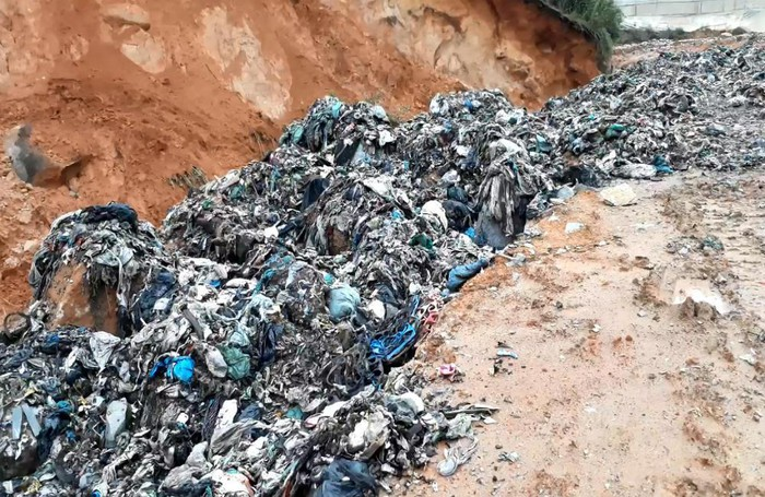 Núi rác ngàn tấn ở Đà Lạt đổ ập chảy dài hàng cây số lấp kín đường