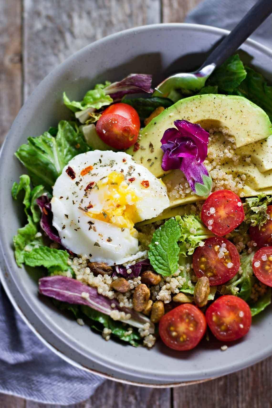 thực đợn ăn uống trị mụn bằng salad địa trung hải