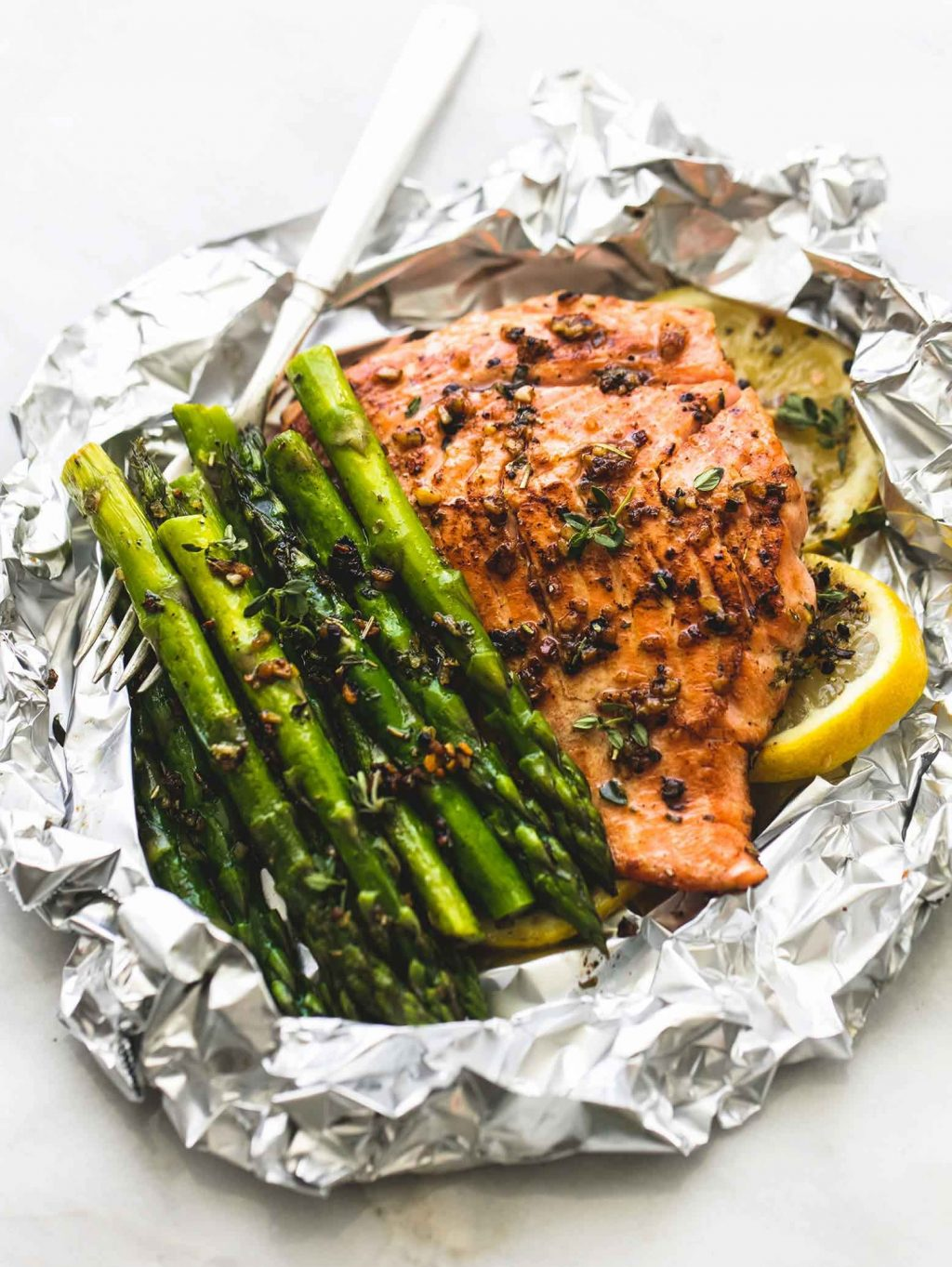 thực đơn ăn uống trị mụn bằng cá hồi nướng