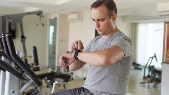 Thanh niên 20 tuổi đột quỵ khi tập gym và những lưu ý cho mọi người khi tập thể dục - Ảnh 2.