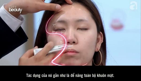 Mẹo hay ít ai biết khi dùng kem dưỡng mắt: Bôi theo hình chữ S vừa nâng cơ lại giúp khuôn mặt trẻ ra vài tuổi  - Ảnh 3.