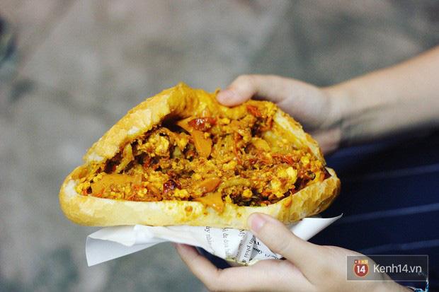 Không chỉ bánh mì dân tổ đâu, ở Hà Nội còn có rất nhiều loại bánh mì lạ đời nữa này! - Ảnh 2.