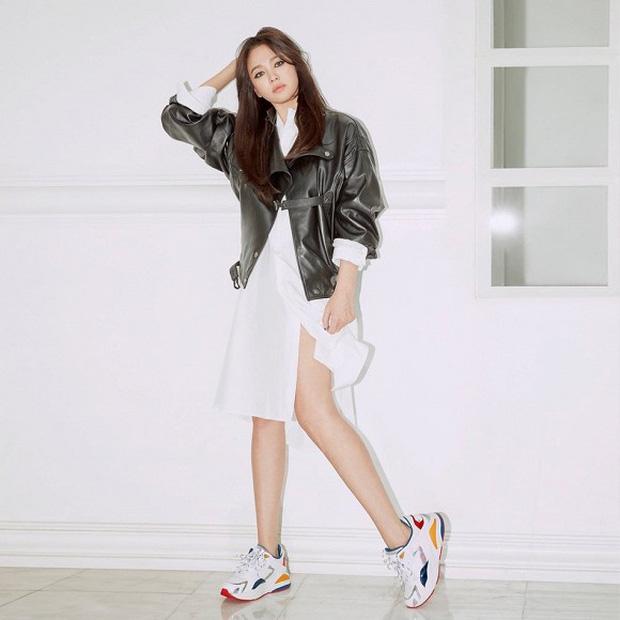 Song Hye Kyo lần đầu tung bộ ảnh hậu ly hôn: Quyền lực, lột xác cá tính lạ thường nhưng lại bất ngờ bị netizen chê - Ảnh 4.