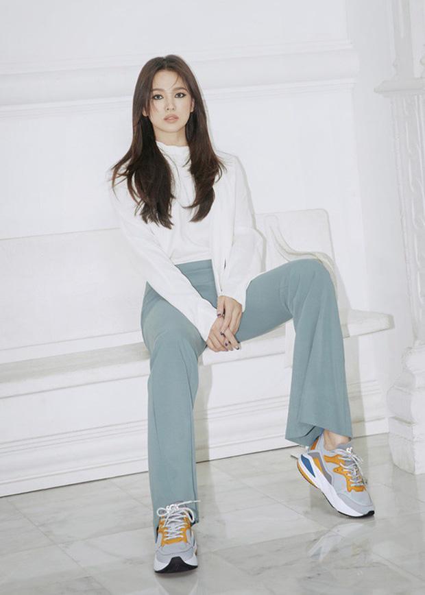Song Hye Kyo lần đầu tung bộ ảnh hậu ly hôn: Quyền lực, lột xác cá tính lạ thường nhưng lại bất ngờ bị netizen chê - Ảnh 3.