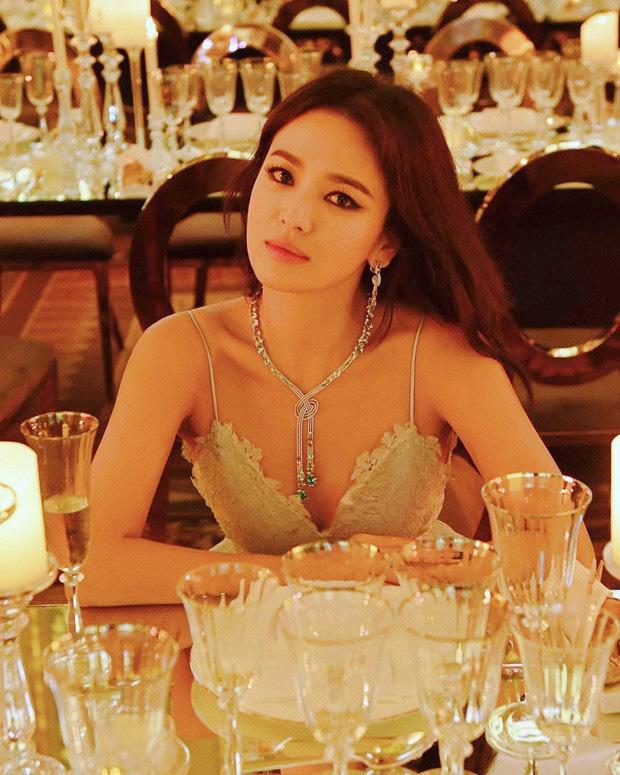 Song Hye Kyo lần đầu tung bộ ảnh hậu ly hôn: Quyền lực, lột xác cá tính lạ thường nhưng lại bất ngờ bị netizen chê - Ảnh 7.