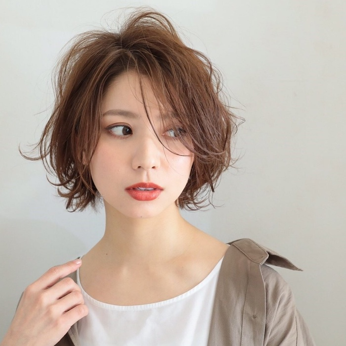 Nàng mặt tròn mà không để tóc ngắn kiểu này chỉ có tiếc hùi hụi thôi