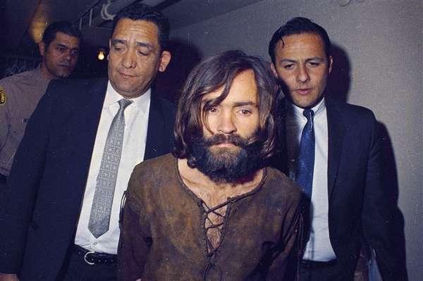 Thảm kịch 'Gia đình Manson' đã có thể được ngăn chặn nếu không vì một lỗi in ấn nhỏ