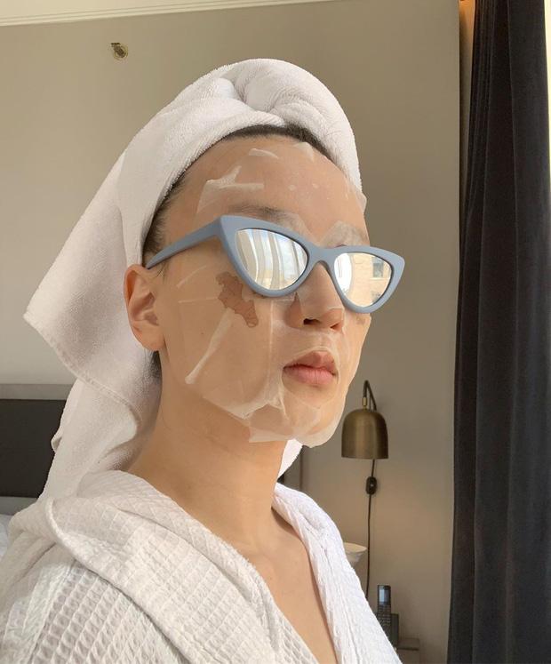 Hoa hậu Đỗ Mỹ Linh đắp mặt nạ giấy mỗi ngày, giúp cấp ẩm tốt hay chỉ khiến da quá tải? - Ảnh 3.