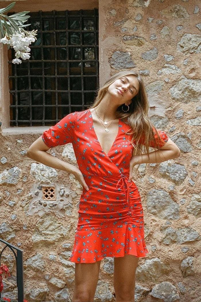 Vóc dáng tuyệt mỹ của chân dài 9x Lorena Rae cao 1m80