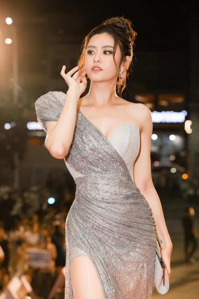 Trương Quỳnh Anh ăn mặc gợi cảm không ngờ sau khi ly hôn Tim