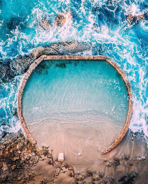 Đà Nẵng xuất hiện hồ bơi giữa biển đẹp y hệt nước ngoài, dân tình hớn hở rủ nhau đi sớm trước khi ai cũng biết chỗ này - Ảnh 2.