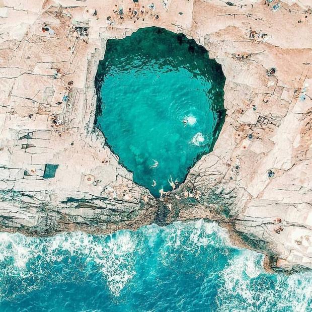 Đà Nẵng xuất hiện hồ bơi giữa biển đẹp y hệt nước ngoài, dân tình hớn hở rủ nhau đi sớm trước khi ai cũng biết chỗ này - Ảnh 3.