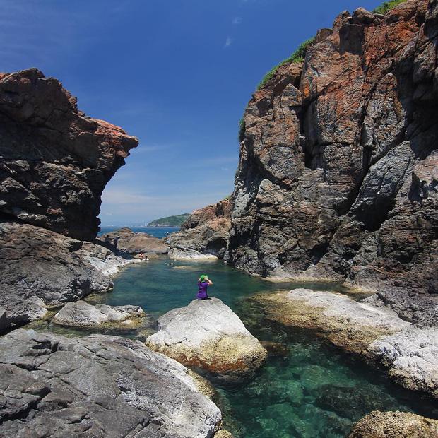 Đà Nẵng xuất hiện hồ bơi giữa biển đẹp y hệt nước ngoài, dân tình hớn hở rủ nhau đi sớm trước khi ai cũng biết chỗ này - Ảnh 23.