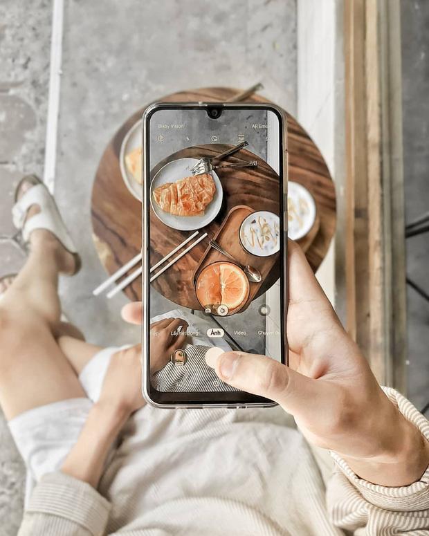 Học ngay những kiểu chụp ảnh đồ ăn chuẩn food blogger này để một người ăn nhưng cả friend list cùng ngon miệng - Ảnh 4.