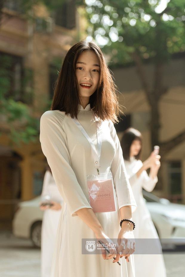 Nữ sinh trường Phan Đình Phùng: Gây sốt mạng mỗi mùa khai giảng, gái xinh năm nay còn nhiều hơn năm ngoái! - Ảnh 6.