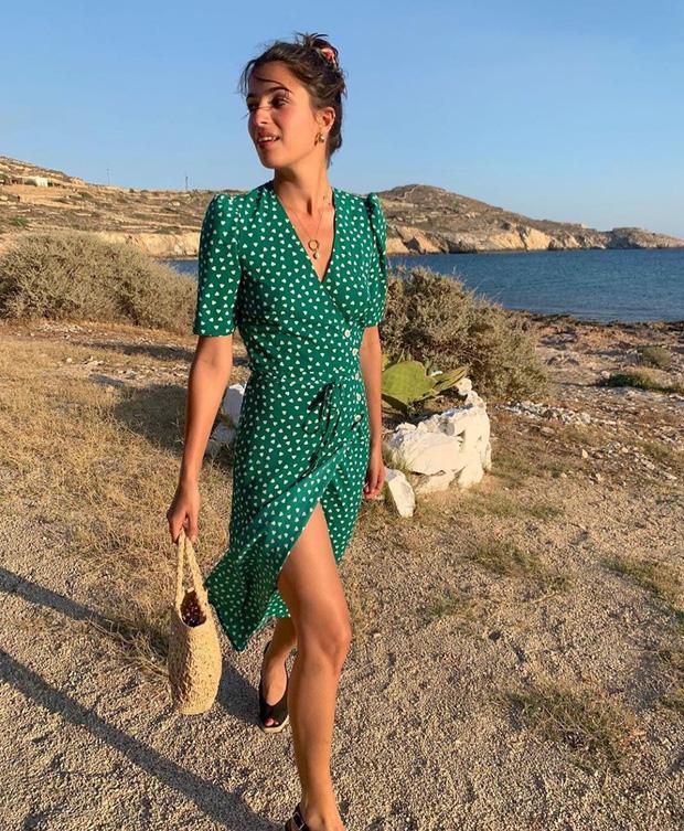 Được phụ nữ Pháp hết mực trọng dụng, 4 kiểu váy xinh mất hồn sau sẽ khiến bạn muốn tậu bằng hết cho tủ đồ - Ảnh 18.