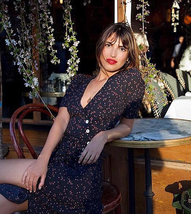 Được phụ nữ Pháp hết mực trọng dụng, 4 kiểu váy xinh mất hồn sau sẽ khiến bạn muốn tậu bằng hết cho tủ đồ - Ảnh 15.