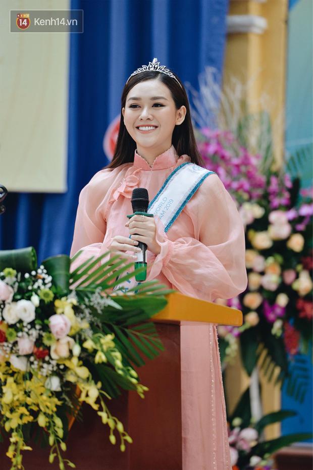Nữ sinh trường Phan Đình Phùng: Gây sốt mạng mỗi mùa khai giảng, gái xinh năm nay còn nhiều hơn năm ngoái! - Ảnh 1.