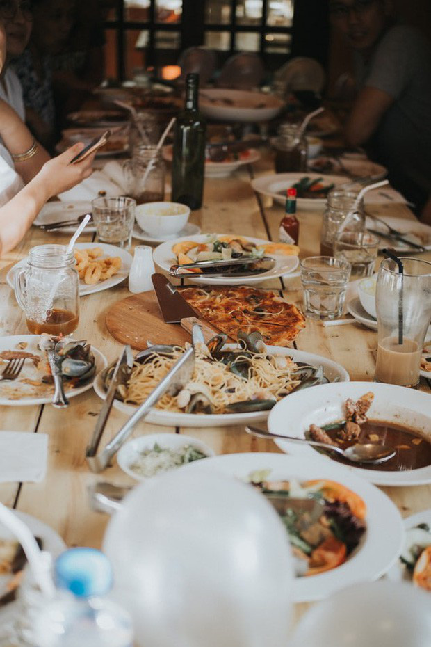 """6 """"cái bẫy"""" mà nhà hàng thường dùng để thực khách chi tiền nhiều hơn, dù khôn khéo thế nào thì ai cũng bị dính"""" ít nhất 1 lần - Ảnh 5."""