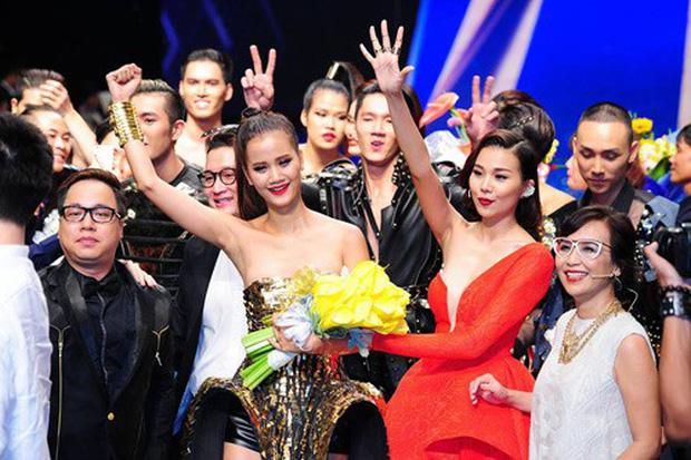 Thời thế thay đổi, Hương Ly hội ngộ đối thủ 1 thời HHen Niê tại Hoa hậu Hoàn vũ Việt Nam! - Ảnh 2.