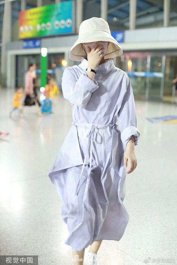 Triệu Lệ Dĩnh khoe series ảnh mặt mộc nhưng câu hỏi lớn nhất của netizen lại là Nhẫn cưới đâu rồi? - Ảnh 6.