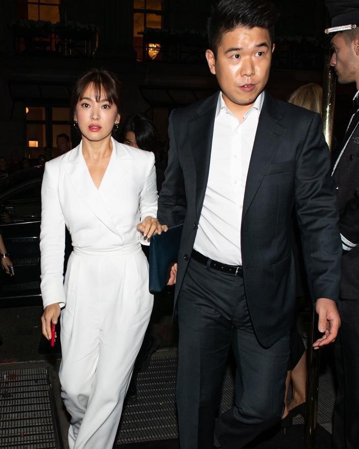 Song Hye Kyo bừng sáng tại sự kiện ở New York, Knet ngợi khen: 'Trẻ trung xinh đẹp như thiếu nữ'