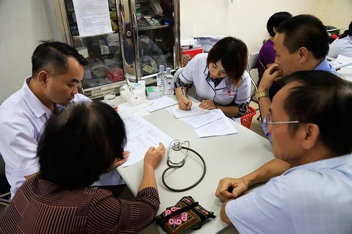 Vụ cháy Cty Rạng Đông: Đã có gần 1.000 người dân đi khám sàng lọc nhiễm độc thủy ngân