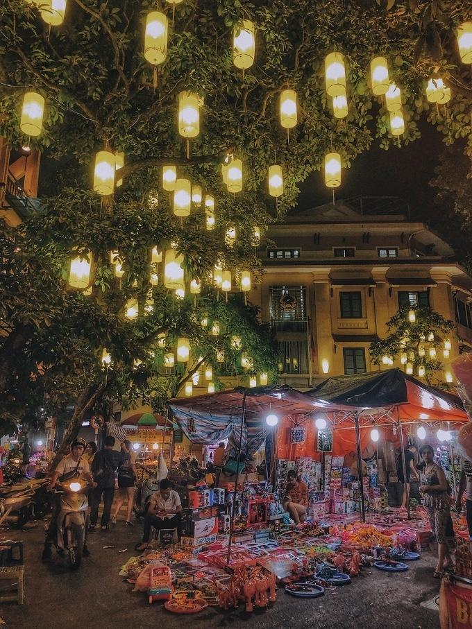 Đã tìm ra con phố chất phát ngất dịp Trung thu năm nay ở Hà Nội