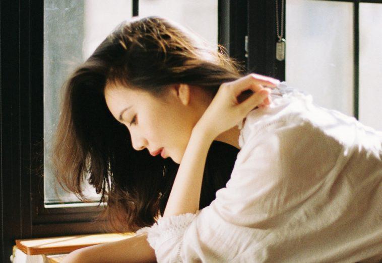 Đàn bà khi còn khóc là lòng còn vấn vương - Ảnh 1