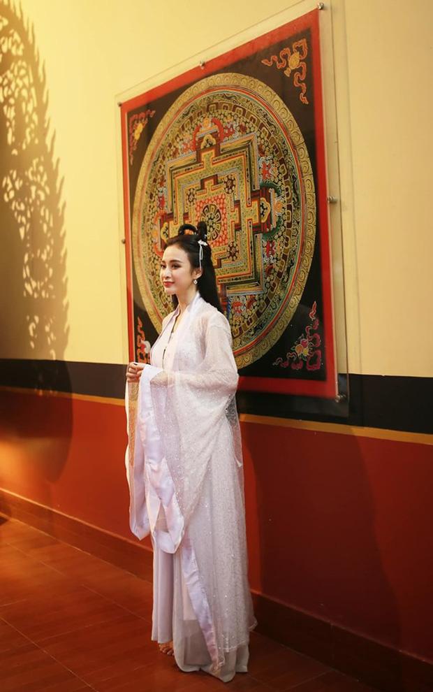 Sao Việt đêm Trung Thu: Angela Phương Trinh hóa chị Hằng vui Tết bên trẻ nghèo, Bảo Thanh, Lê Phương đoàn tụ gia đình - Ảnh 3.