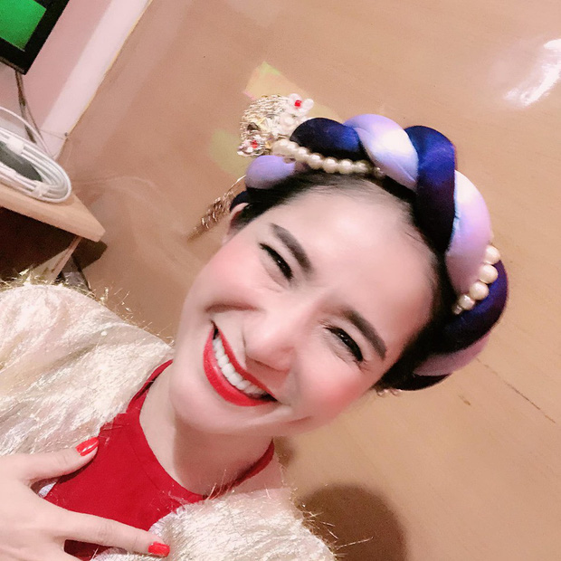Sao Việt đêm Trung Thu: Angela Phương Trinh hóa chị Hằng vui Tết bên trẻ nghèo, Bảo Thanh, Lê Phương đoàn tụ gia đình - Ảnh 9.