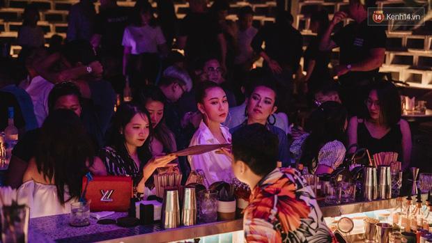 Ngắm loạt ảnh gái xinh kéo hội đi đu đưa lễ Trung Thu, rich kid Tiên Nguyễn bất ngờ lọt ống kính - Ảnh 10.