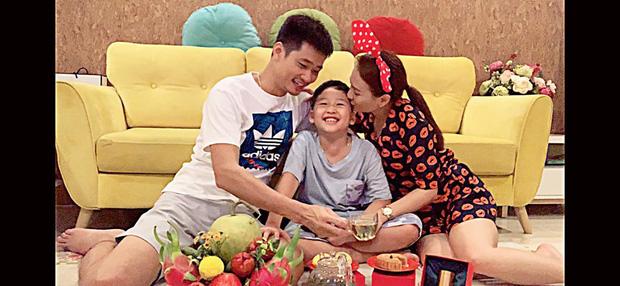 Sao Việt đêm Trung Thu: Angela Phương Trinh hóa chị Hằng vui Tết bên trẻ nghèo, Bảo Thanh, Lê Phương đoàn tụ gia đình - Ảnh 6.