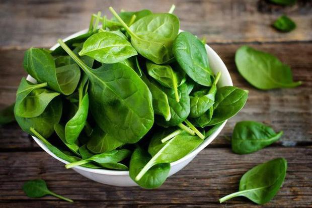 Đây là những loại thực phẩm nên tránh hâm nóng, đun lại nhiều lần vì dễ gây hại tới sức khỏe - Ảnh 3.