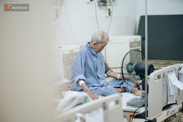 Bác sĩ cảnh báo tình trạng ô nhiễm không khí ở Hà Nội: Chúng ta đang quá lạm dụng khái niệm khẩu trang y tế - Ảnh 4.