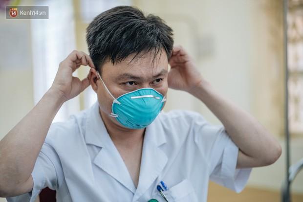 Bác sĩ cảnh báo tình trạng ô nhiễm không khí ở Hà Nội: Chúng ta đang quá lạm dụng khái niệm khẩu trang y tế - Ảnh 7.
