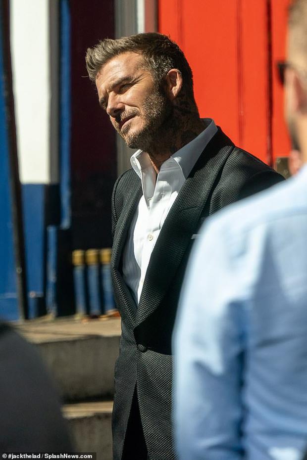 Đưa con gái út cùng đi quay quảng cáo, ngờ đâu David Beckham lại bị lu mờ vì nhan sắc và vẻ trưởng thành của Harper - Ảnh 7.