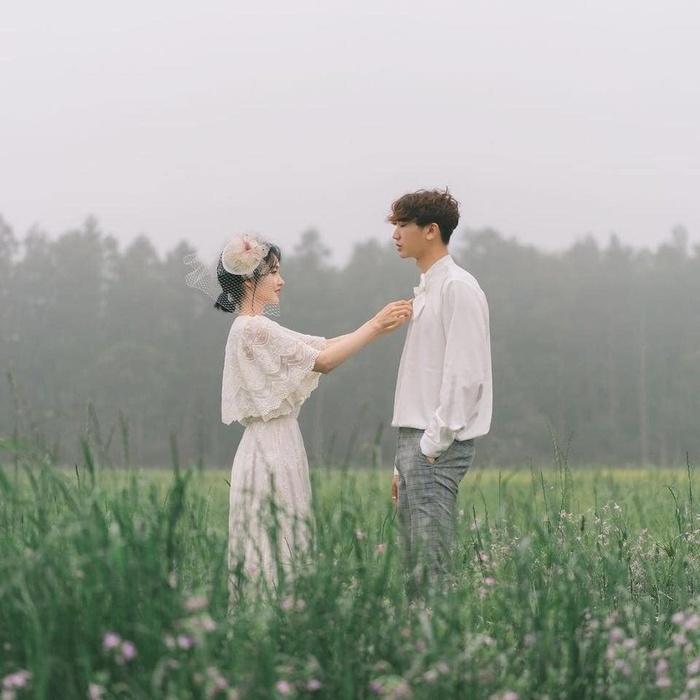 Bởi người đúng thường hay đến muộn, nên mong phụ nữ vẫn giữ vững niềm tin vào tình yêu