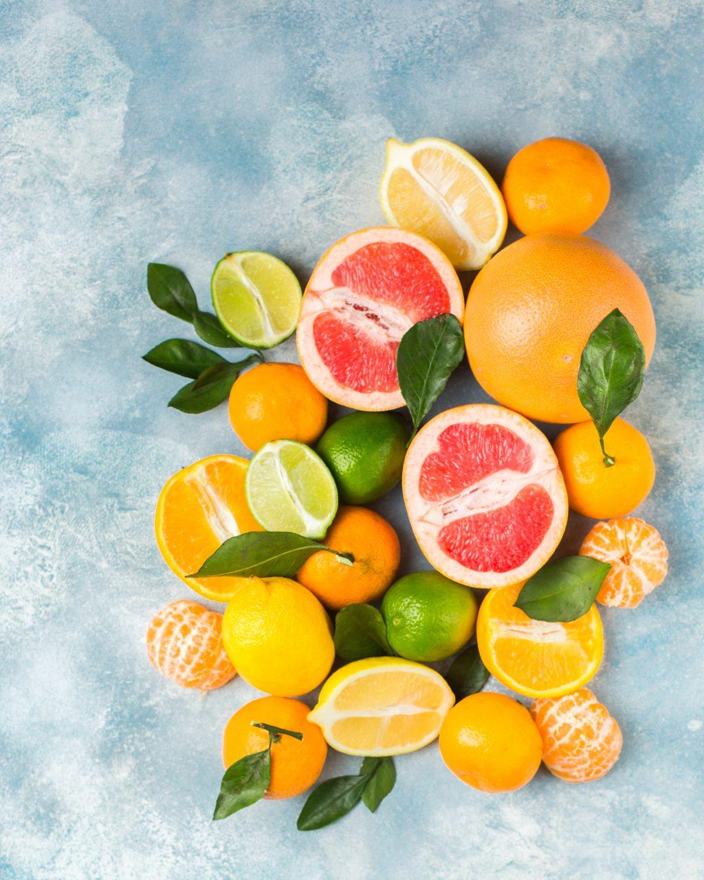 Các trái cây họ cam thường giúp bảo vệ khỏi các bênh ung thư thực quản, ung thư đại trực tràng.