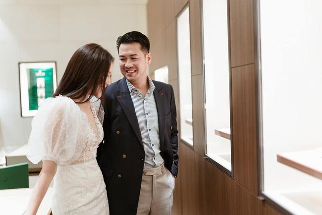 Linh Rin xuất hiện rạng rỡ thoải mái cùng Phillip Nguyễn ra mắt bố mẹ bạn trai - Ảnh 3.