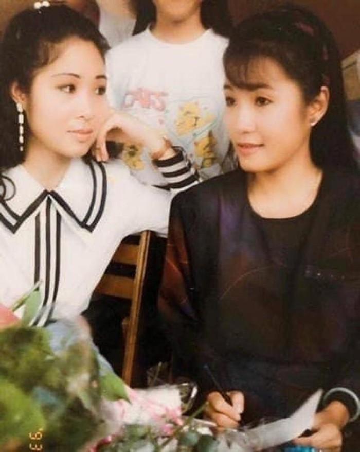 Hồng Đào khoe ảnh con gái 17 tuổi, ai cũng khuyên cho thi hoa hậu