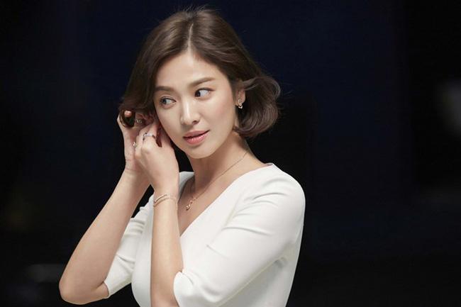 Không phải Song Hye Kyo và Kim Tae Hee, đây mới là 2 mỹ nhân siêu sao đỉnh nhất trong ngành công nghiệp giải trí Kbiz suốt 20 năm qua - Ảnh 2.