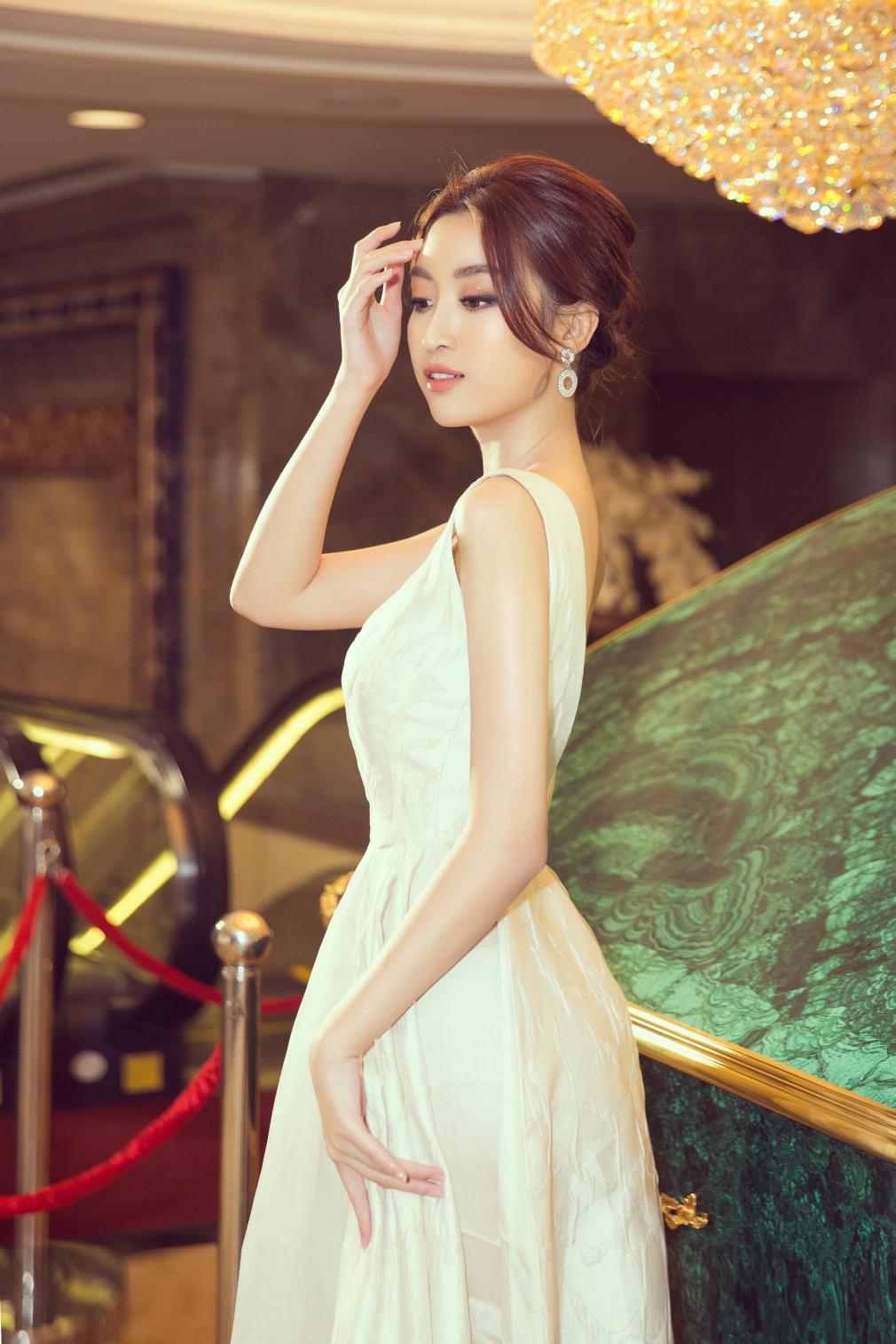 Người đẹp showbiz Việt đi đâu làm gì tuần qua? - Ảnh 7.