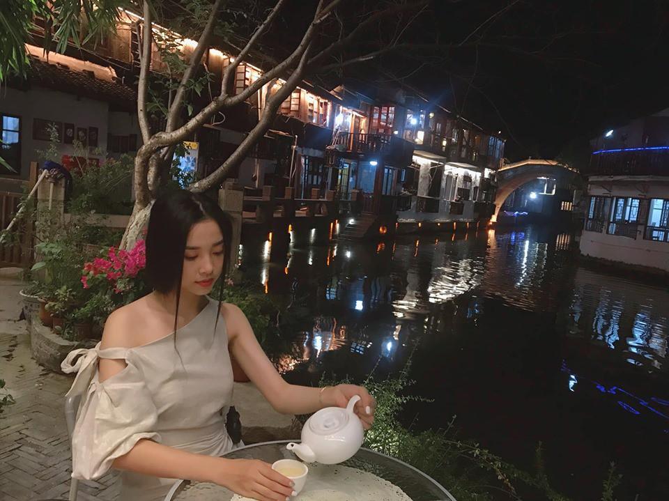 Người đẹp showbiz Việt đi đâu làm gì tuần qua? - Ảnh 4.