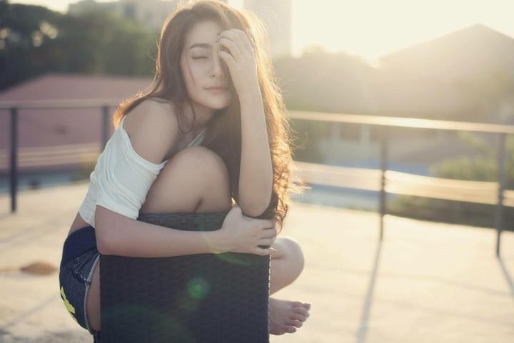 Những kiểu phụ nữ dễ cô đơn buồn tủi nhất - Ảnh 1