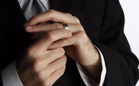 Cô gái ơi, đừng tin vào chiếc nhẫn - Ảnh 1