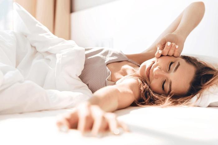 Đi bộ buổi sáng và 10 lợi ích thiết thực cho sức khỏe