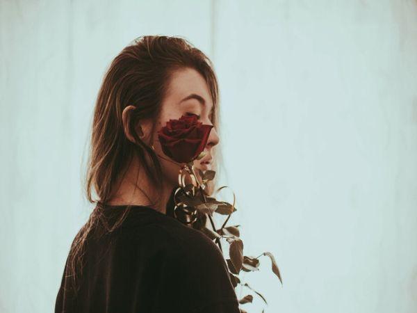 Những kiểu phụ nữ dễ cô đơn buồn tủi nhất - Ảnh 3