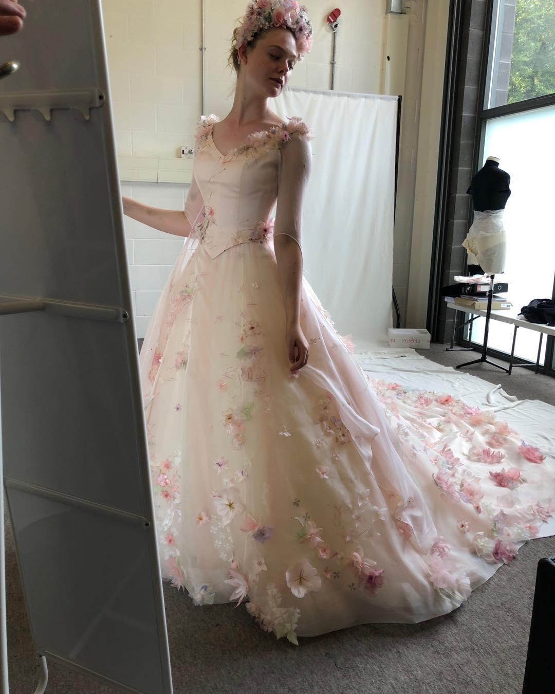 Đầm cưới của Aurora trong Tiên hắc ám 2